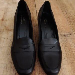 Brooks Brothers Shoes - Brooks Brothers 346 Black Professional Heels 9.5